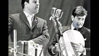 Bade Armanon Se Rakha Hai  ------ tribute to mukesh by hashim khan