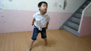 Super junior BONAMANA(七歲小孩模仿)