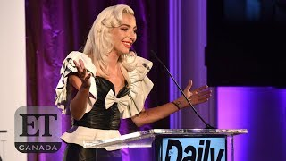 Baixar Lady Gaga Honours Hairstylist At The LA Fashion Awards | FULL SPEECH