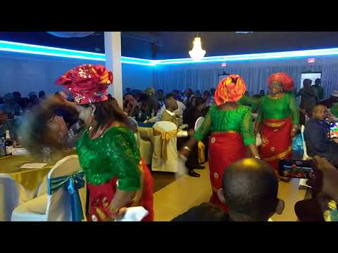 Egwu Amala by Ogbaru women @ Vanessa Oduah's igbo traditional wedding