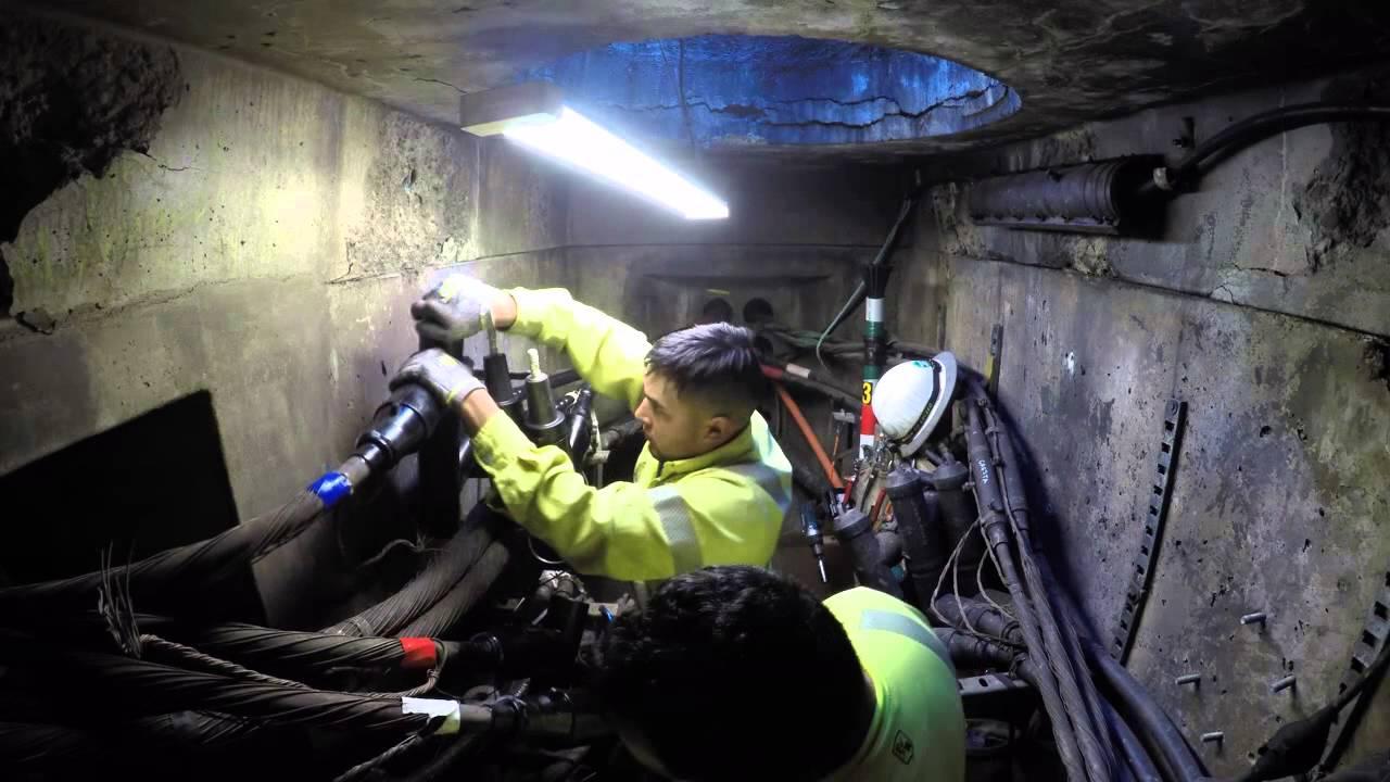 Lineman underground splice - YouTube