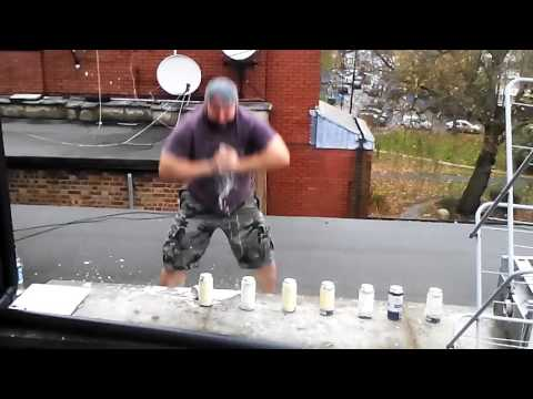 Dimitar Hodzhev-Krika (Mitio Krika/Митьо Крика) smashed 10 beer cans with hands