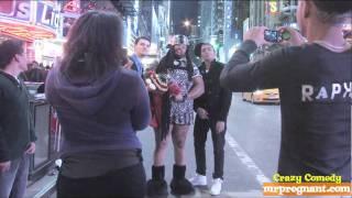 NEW YORK CITY - Man In Dress Walkathon #14 Mtv And Vh1