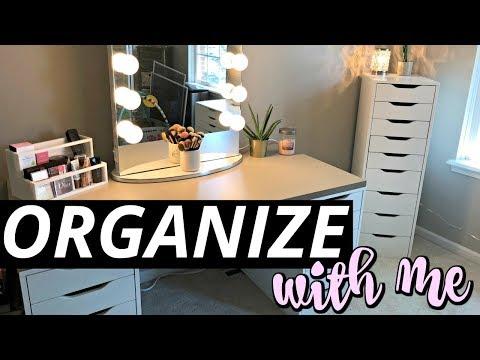 Organize With Me | My Makeup Vanity