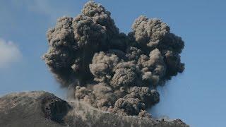 Krakatau (Krakatoa): explosiv eruptions