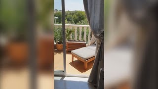 Well presented townhouse, with terraces and communal pool near the village of Algorfa. 119,000 euros