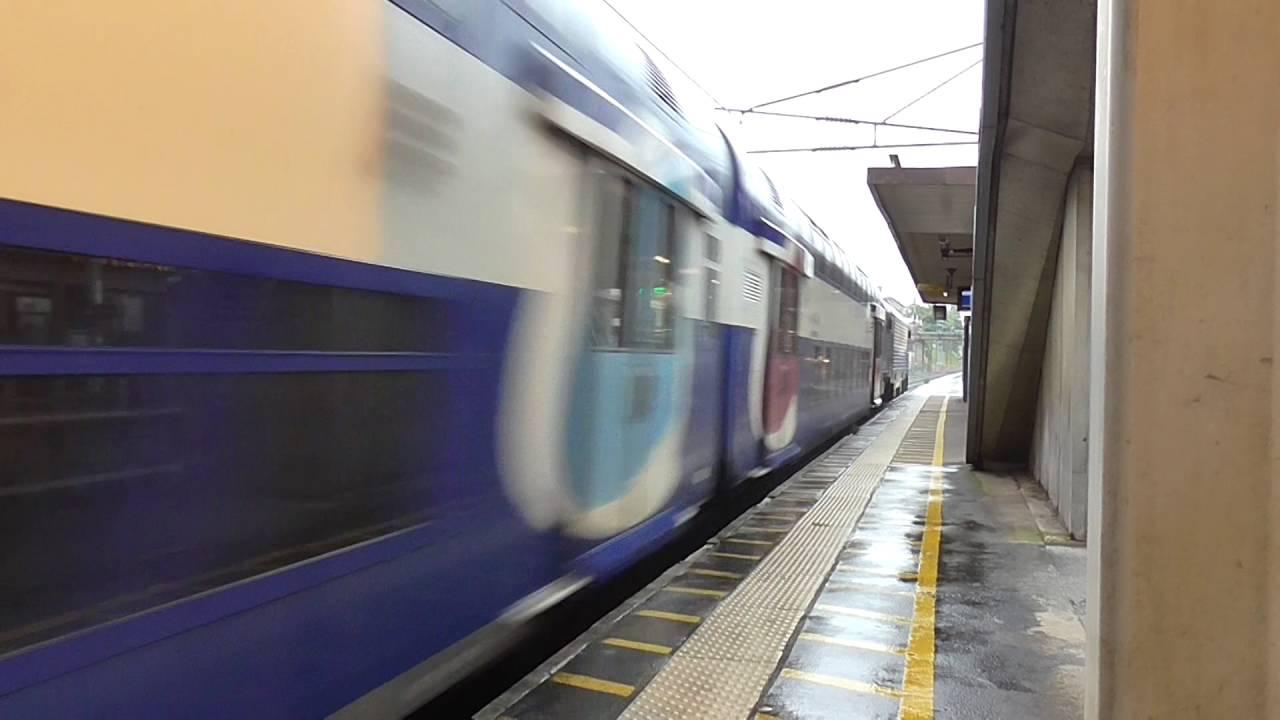 BB27300 et VB2N livrée Transilien : Passage à la gare de La Garenne ...