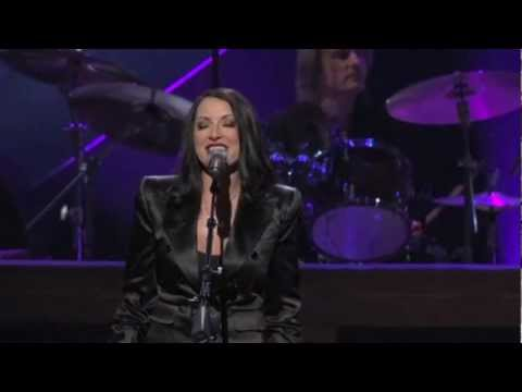 "Margo Rey And John Oates ""Let The Rain"" Live"