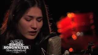 Baixar Jasmine Karimova: Spinning Tops - De Beste Singer-Songwriter