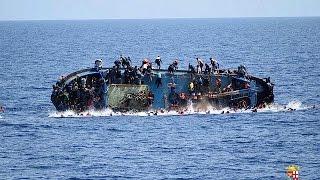 Migrants : un navire bondé chavire au large des côtes libyennes