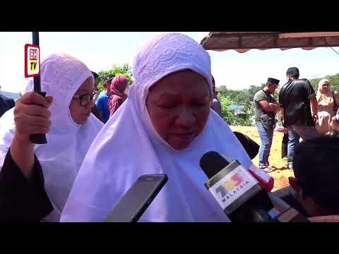 Pemangku Raja Pahang solat jenazah Ahli Parlimen Paya Lebar