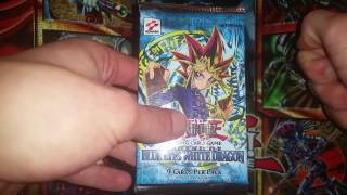 Yugioh 2002 Legend of the Blue Eyes White Dragon 1ST EDITION ENGLISH pack opening! Foil pull! LOB!