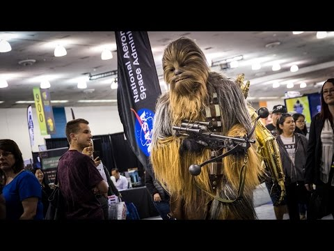 Adam Savage Incognito as Chewbacca with C-3PO!
