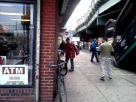 """Two Guy's fighting""""ExclusiveFootage""""UpTown Manhattan NYPD udercover took action"""