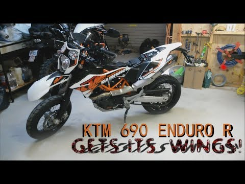 KTM 690 Enduro R Wings Exhaust Installation.