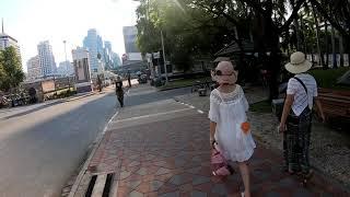 Walking in Bangkok, Thailand   Si Lom Road, Lumphini Park Series Part 12