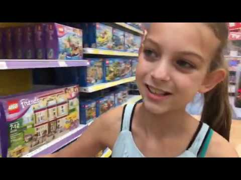 Lego Friends Shopping At Toys R Us With M M Youtube