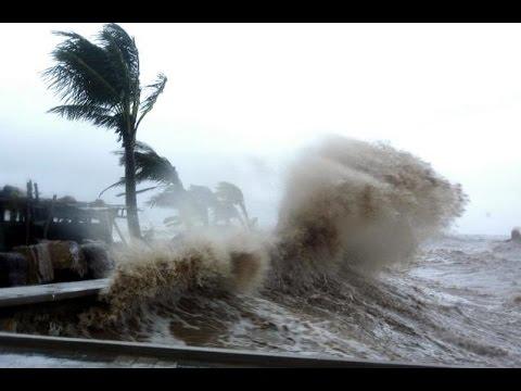 Super Typhoon Vongfong Landfall  Hits Okinawa Japan