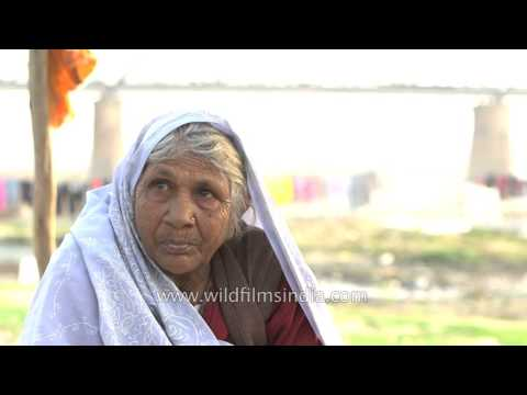 Old woman speaks of polluted Yamuna river in Agra