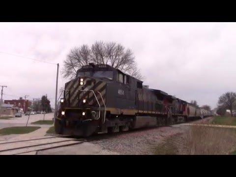 BC Rail 4654 & CN 2644 northbound from Cedar Rapids to Winthrop, IA