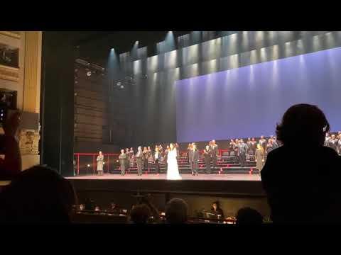 El Teatro Real se estremece con el público puesto en pie con el estreno de La Traviata