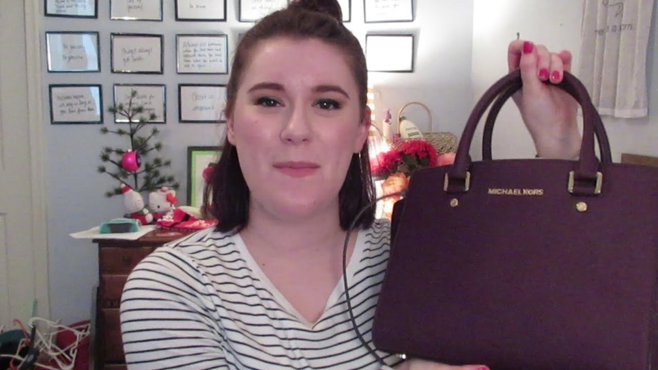 44817c8988f1 What's In My Bag ~ Michael Kors Selma Medium Satchel - YouTube