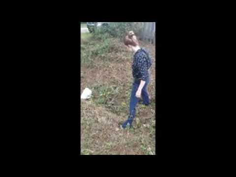 Female cop catches 9ft ANACONDA SNAKE with bare hands! WOW!
