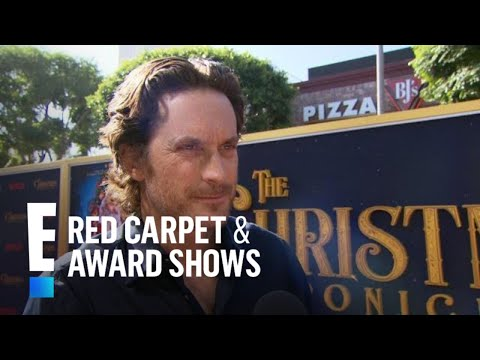 Oliver Hudson Gushes Over Kurt Russell As Santa Claus   E! Red Carpet & Award Shows
