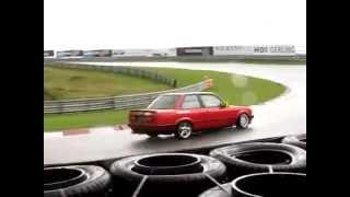 BMW E30 racing at Zandvoort Circuit   heavy rain vrij rijden 19 september 2012