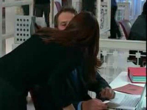Jennifer Garner & Michael Vartan Blooper Kiss Alias S4