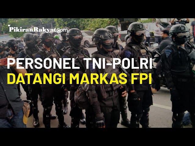 Untuk Menyisir Atribut, Ratusan Personel TNI-Polri Datangi Markas Besar FPI di Petamburan