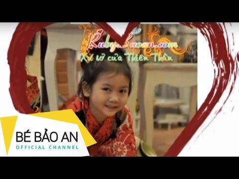 Bé Bảo An - Xoè Tay
