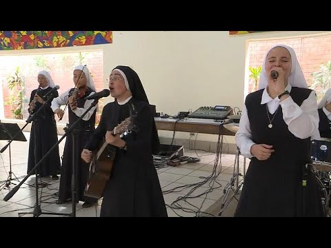 No Comment TV: Rock and roll nuns hope to make the Pope dance in Panama