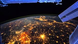 Земля с Международной космической станции - интервальная съемка видео.Это нереально красиво.(Изображения: http://eol.jsc.nasa.gov/ Музыка: