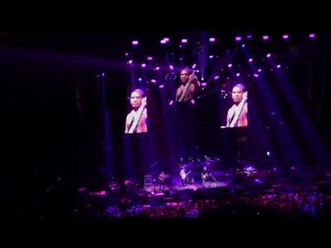 "Dead & Co. ""Comes a Time"" (Otiel Burnbridge singing lead!) (TD Garden Boston 11/19/17)"