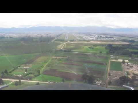 Aterrizaje en Bogota/ Landing in Bogota/ Casa-212