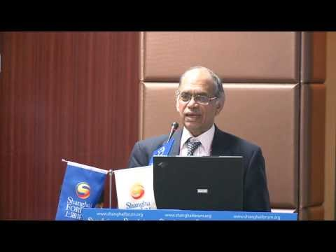"[2013 Shanghai Forum] Nayan Chanda ""What Can History Teach Us?"""