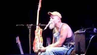 Seasick Steve & his 3 string guitar @ Latitude 2007