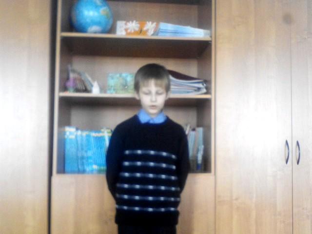 Изображение предпросмотра прочтения – МаксимСедышев читает произведение «Радуга (Как неожиданно иярко…)» Ф.И.Тютчева
