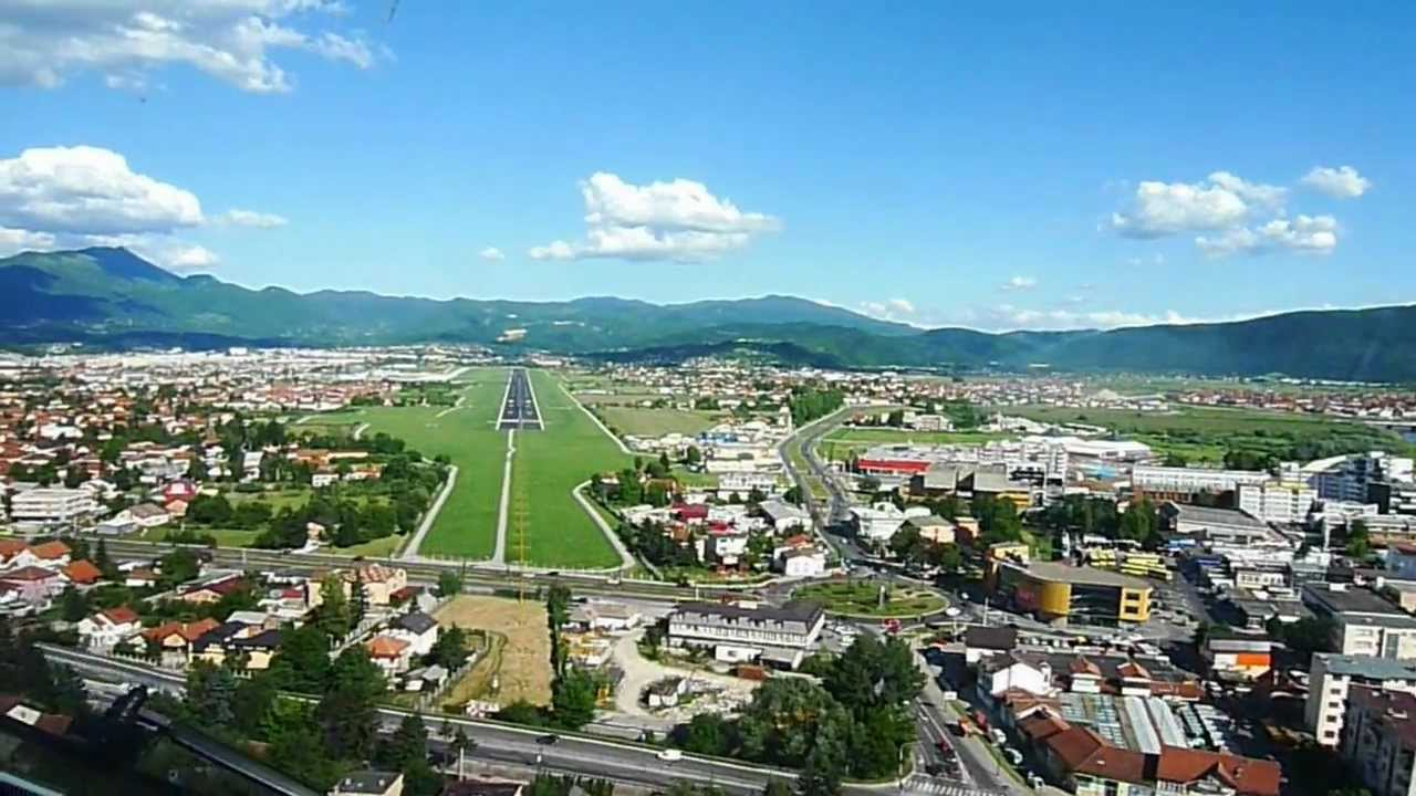Visual Approach To Sarajevo Airport On A Nice Day Youtube
