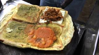 Chennai street food - King of Bread omelette - Indian Street Food