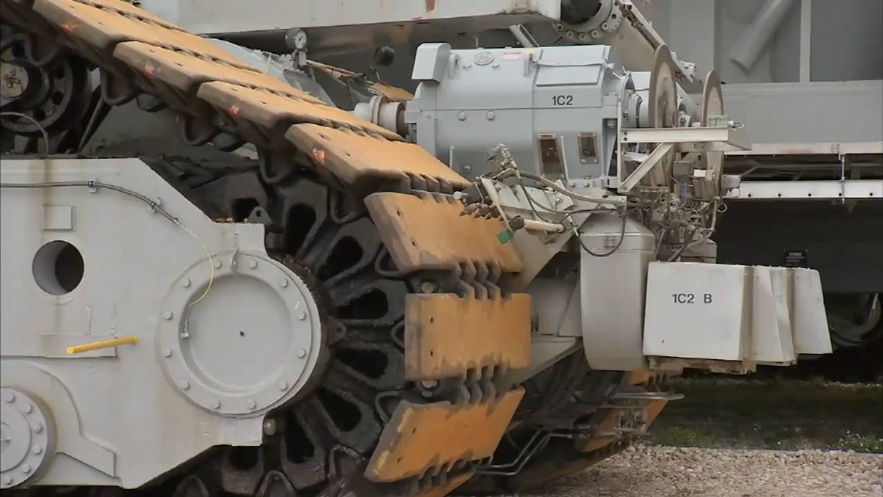Space Shuttle Era: Crawler Transporter - YouTube