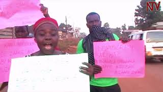 Download Video EBYA BOBI WINE: E Mukono, Mityana ne Jinja abantu bavudde mu mbeera MP3 3GP MP4