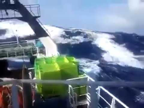 See how seafarers survive in  Atlantic Ocean rough weather