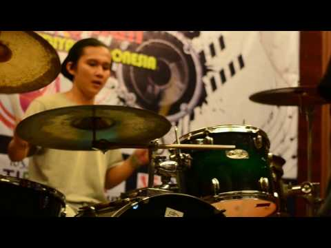"METAL ACEH INSTRUMENT - ANDI & CHORNICLE ""STRATA PROJECT """