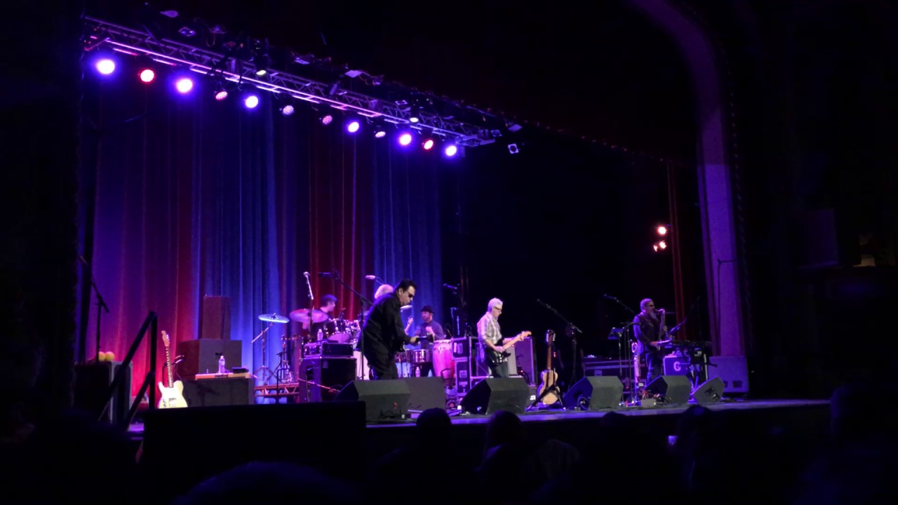 Tivoli Theater In Downers Grove Los Lobos Live At Tivoli Theater In Downers Grove Il March 2017
