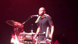 "The Ecstatic Tour -  Mos Def performing ""Ghetto Rock"" live at the Palladium Hollywood 9-5-09"