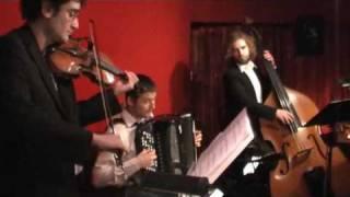 A Media Luz tango argentino live music at milonga