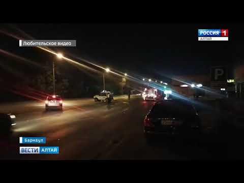 20 пожарных тушили сегодня ночью крупный автосервис в Барнауле