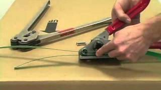 How to use a Manual Plastic (Poly) Strap Tensioner for Boxes and Pallets